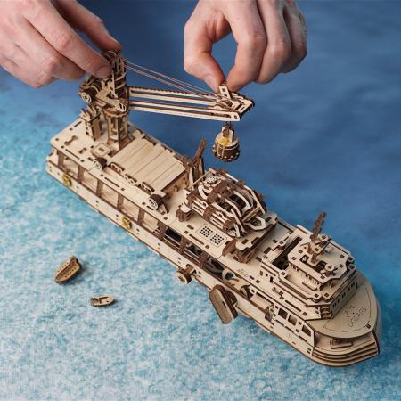 Puzzle 3D Nava de cercetare din lemn Ugears2