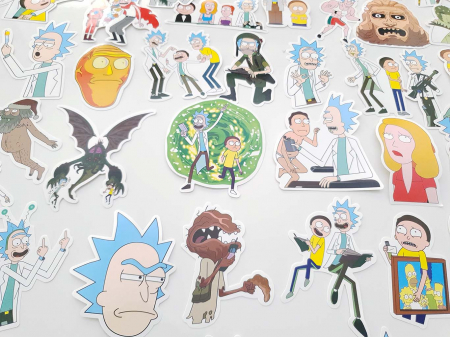 Set 100 stickere laptop Rick and Morty3