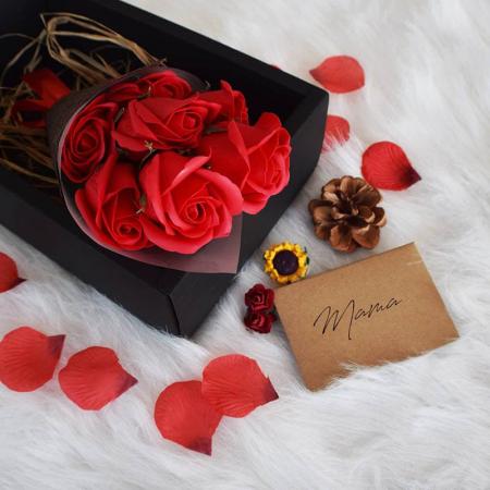 Set cadou Buchet romantic 7 trandafiri de sapun0