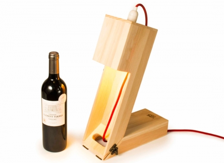 Suport din lemn veioza pentru vin2