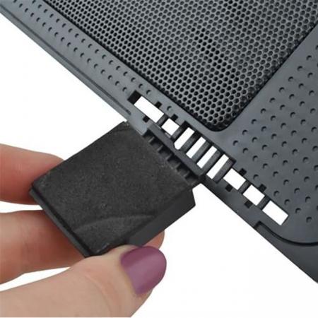 Suport laptop reglabil cu ventilator de racire LED4