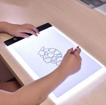 Tableta pentru desenat Led Ligh A4 Ultra-Subtire1