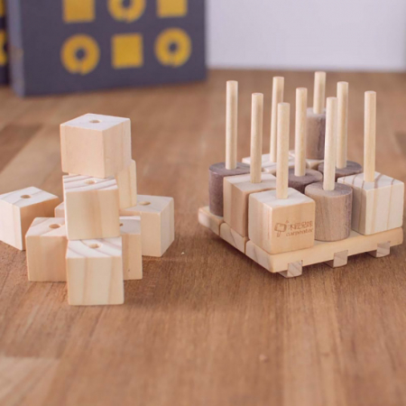 X si 0, Joc 3D din lemn1
