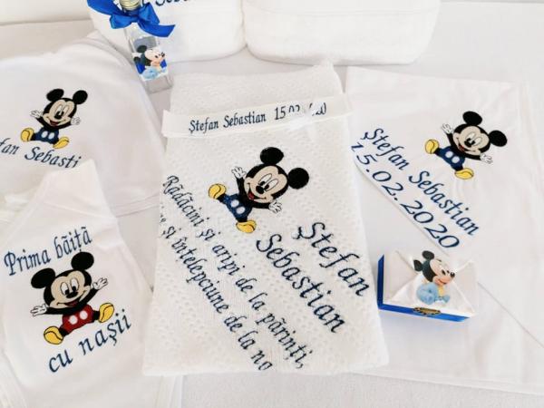 Trusou botez personalizat 9 piese Mickey Mouse [0]