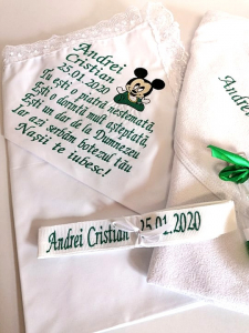 Trusou botez personalizat 6 piese Mickey Mouse Green [1]