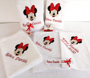 Trusou botez personalizat 8 piese Minnie Mouse [0]