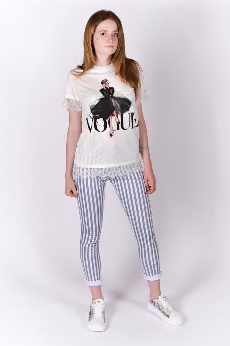 Tricou Vogue alb cu dantela 3