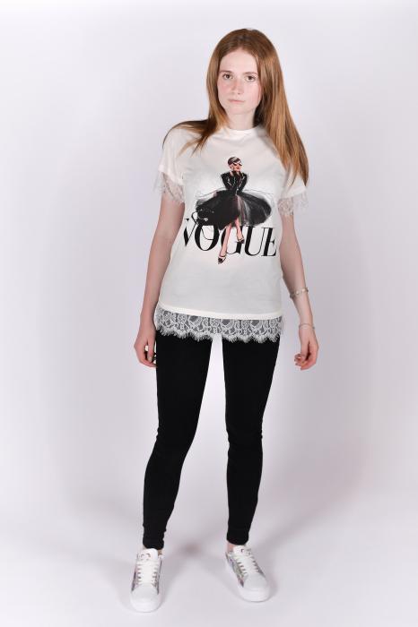 Tricou Vogue alb cu dantela 4