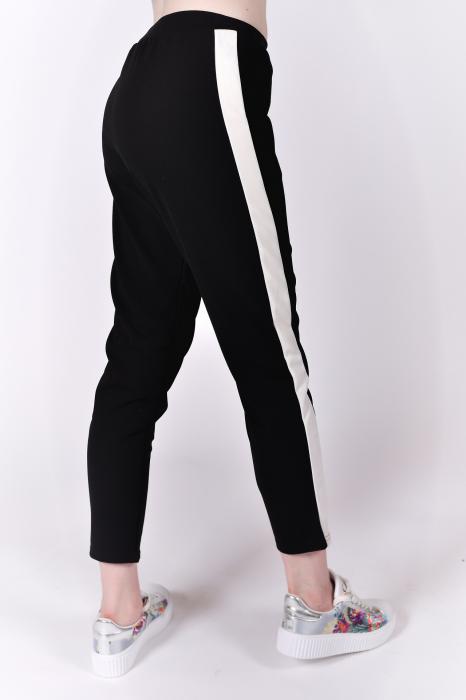 Pantaloni negri cu dunga 2
