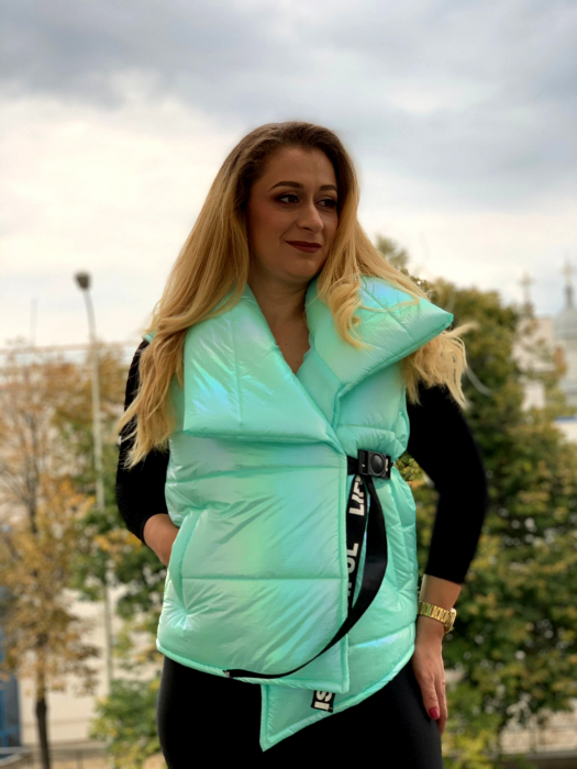 Vesta Ylona Green [0]