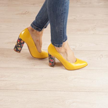 Pantofi dama din piele naturala lacuita galbena MSPD53719-5-20 [0]