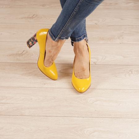 Pantofi dama din piele naturala lacuita galbena MSPD53719-5-20 [1]