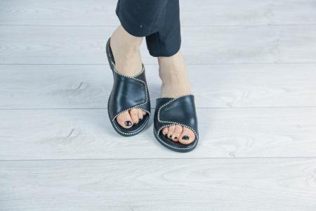 Papuci din piele naturala neagra cu margele MSSD2120-20 [0]