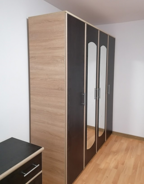 dormitor-dulap-4-usi-oglinda 1