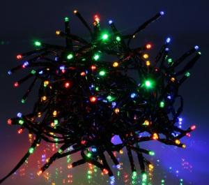 Ghirlanda luminoasa decorativa cu LED multicolor cablu negru WELL1