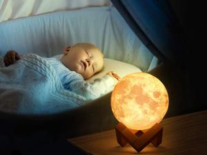 Lampa Luna 3D, Multicolora cu Telecomanda si Suport Lemn, 12 CM4