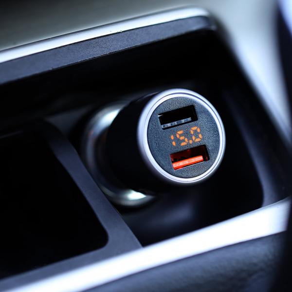 Incarcator auto Tellur cu 3 Porturi + Voltmetru, 5.4A QC 3.0 4
