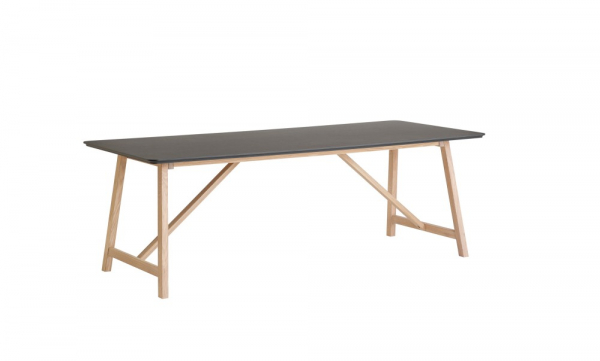 CASØ 502 dining table black laminate 0