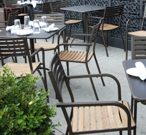 Segno Armchair with teak seat – Emu 6