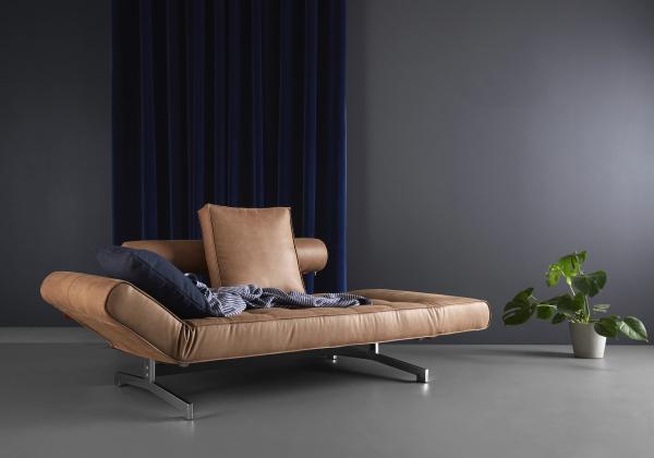 Canapea de zi Ghia cu picioare cromate 16