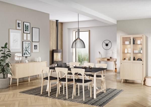 CASØ 502 dining table w. black NANO laminate 1