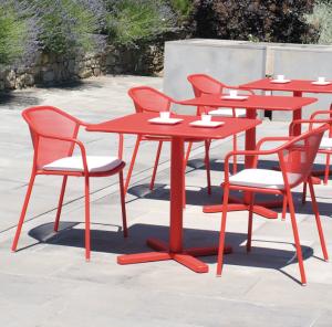 Darwin Square Table 70×70- Emu [1]