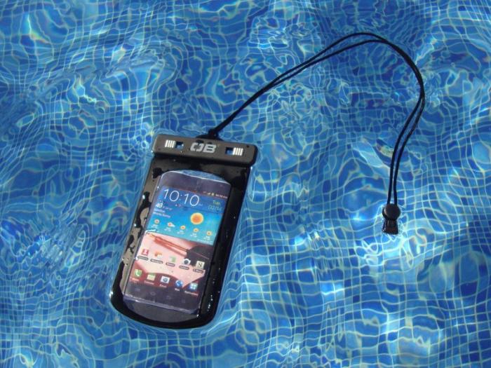 Husa impermeabila telefon Overboard L [3]