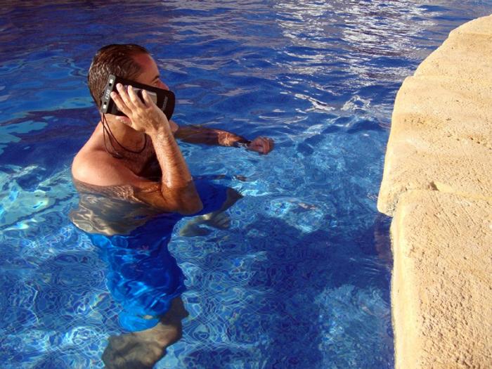 Husa impermeabila telefon Overboard L [5]