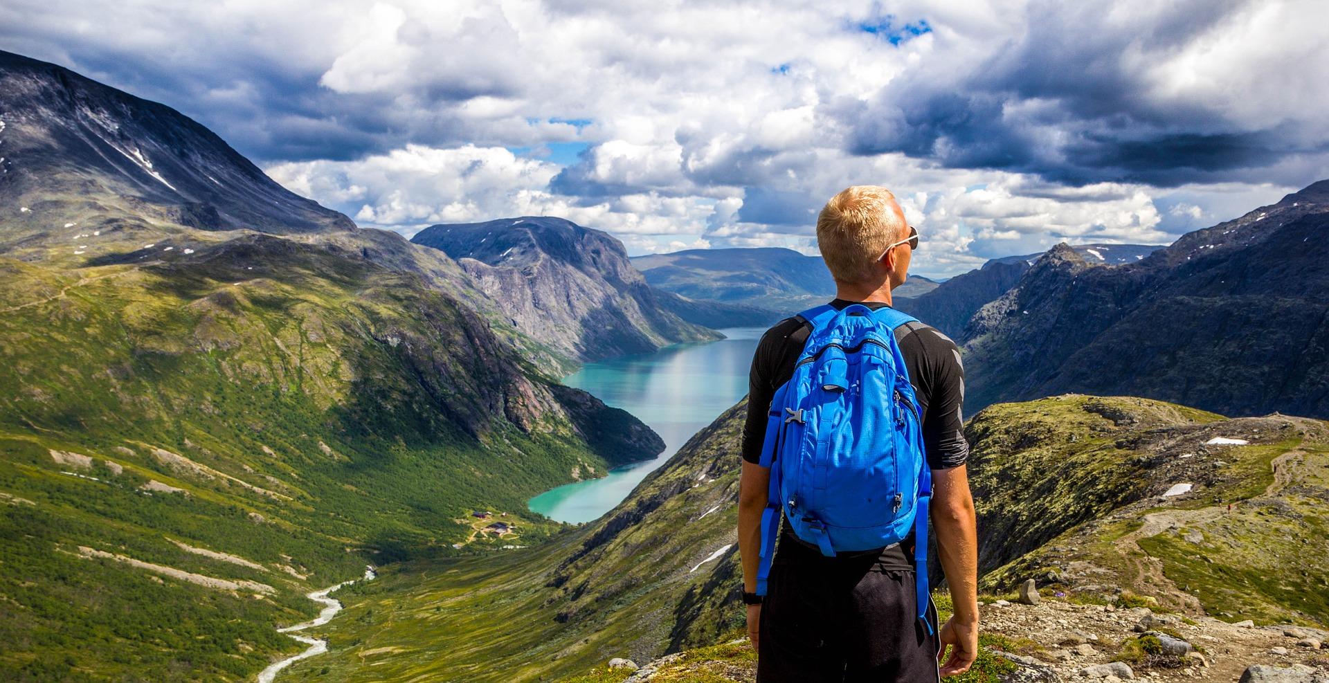 A fi sau a nu fi backpacker: Mic ghid pentru începătorii într-ale backpacking-ului