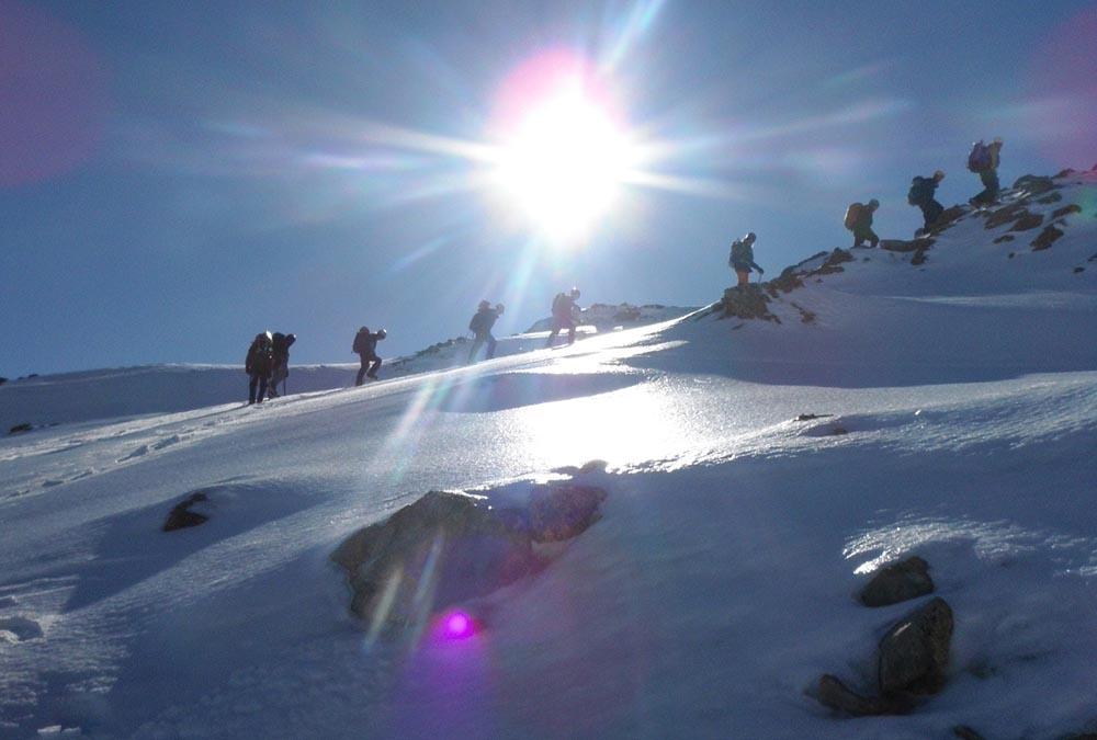 Trekking: Expediţii montane în siguranţă pe timpul iernii