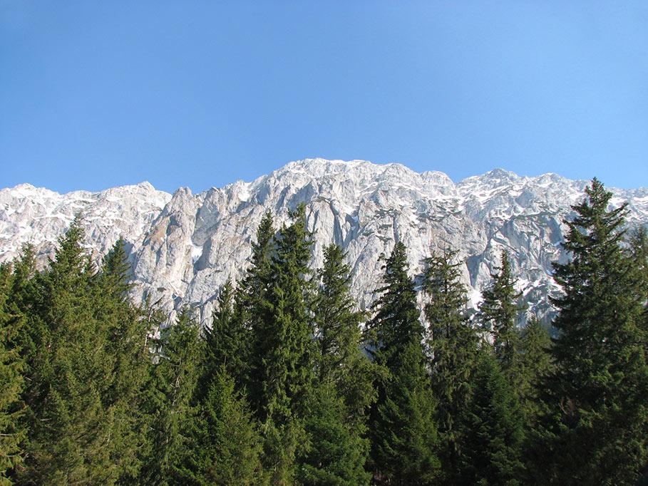Drumeţii de sezon: 3 trasee montane din Braşov