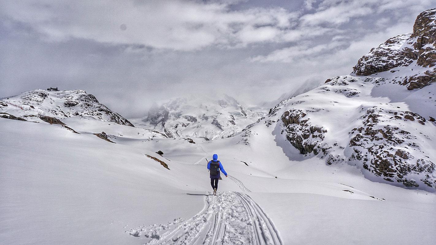 Posibilele pericole la care te expui iarna pe munte şi cum să te fereşti de ele