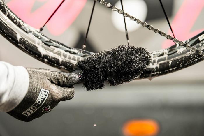 Perie Muc-Off Wheel si Component Brush [3]