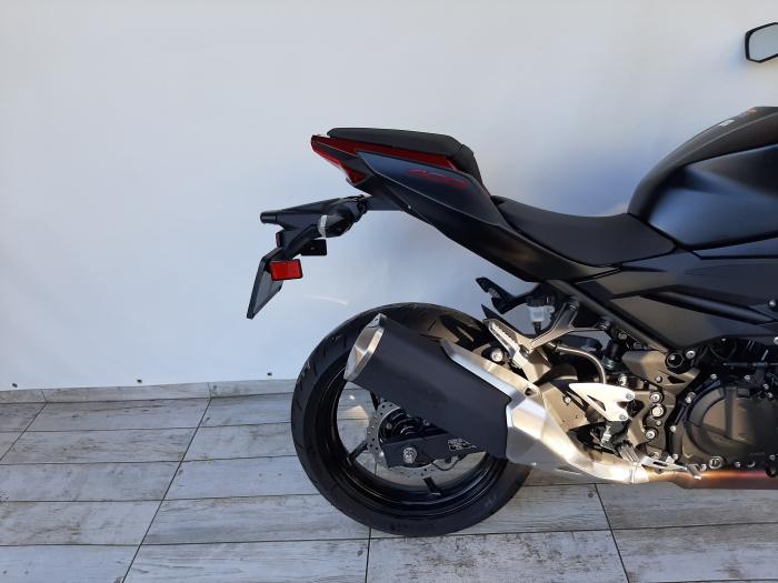 Motocicleta Kawasaki Z400 ABS 400cc 44CP-K3481 se poate conduce cu A2 2