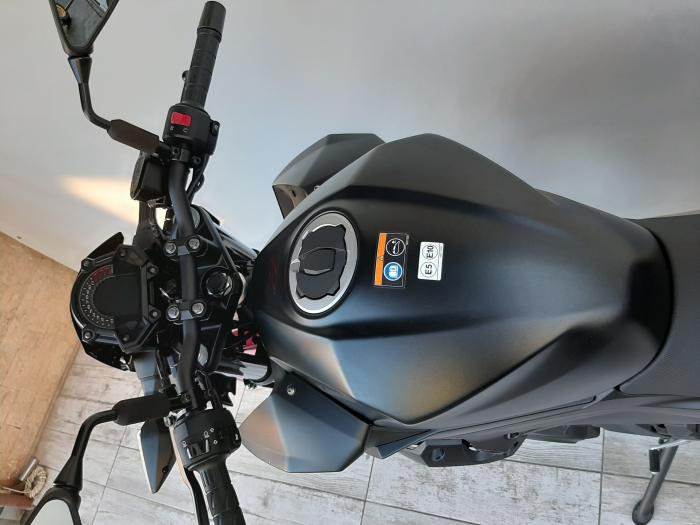 Motocicleta Kawasaki Z400 ABS 400cc 44CP-K3481 se poate conduce cu A2 12