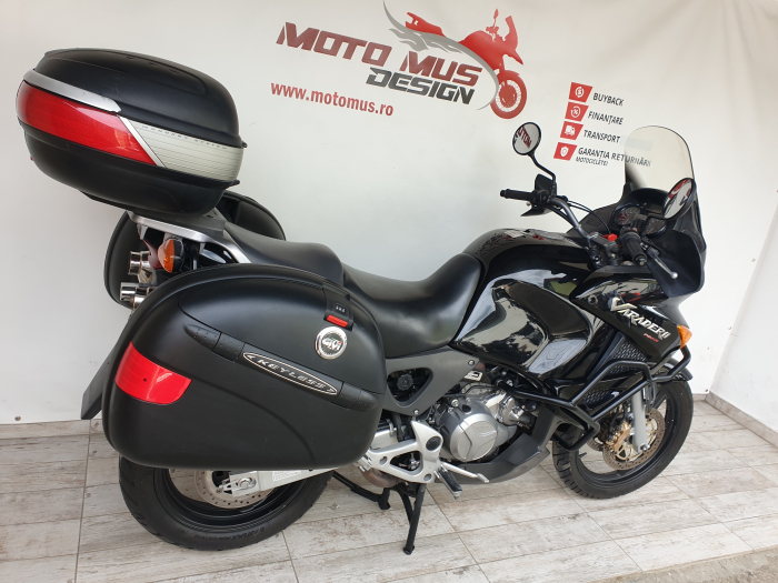 Motocicleta Honda Varadero 1000cc 92.5CP - H51212 [1]