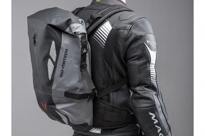 Backpack Triton Tarpaulin. Impermeabil. Gri/Negru 20 l. 2