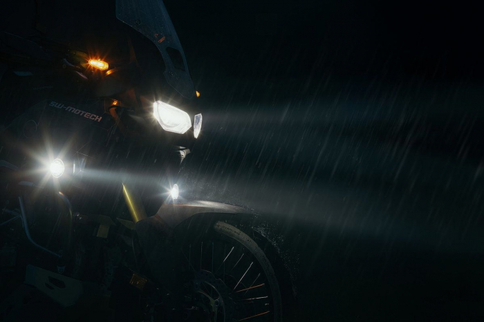 Kit Proiectoare Ceat Evo Negru Honda CB 500 X (13-). [1]