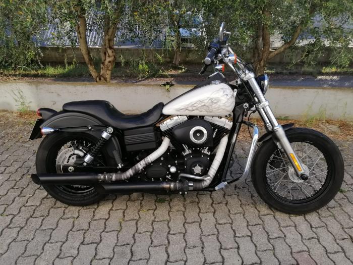 Harley-Davidson STREET BOB - an 2011 [7]