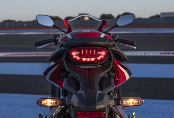 Honda CBR 650 R [2]