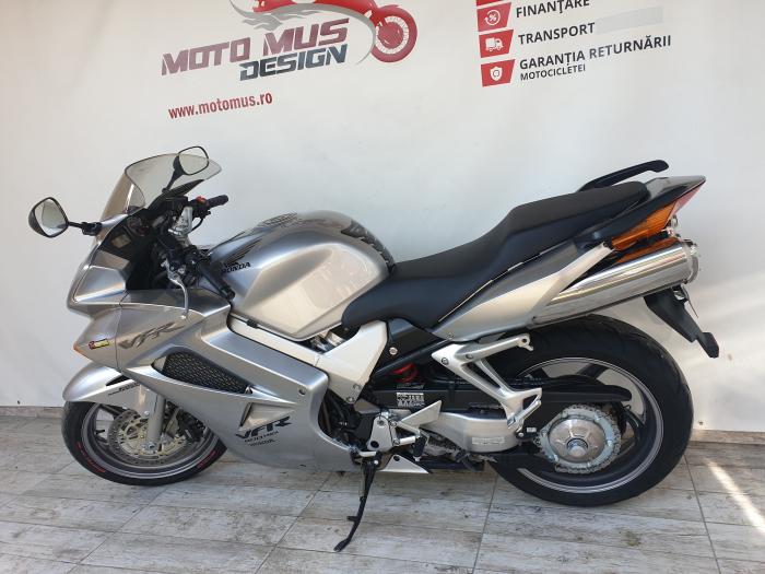 Motocicleta Honda VFR800 V-Tech 800cc 107CP - SUPERB - H00575 [10]