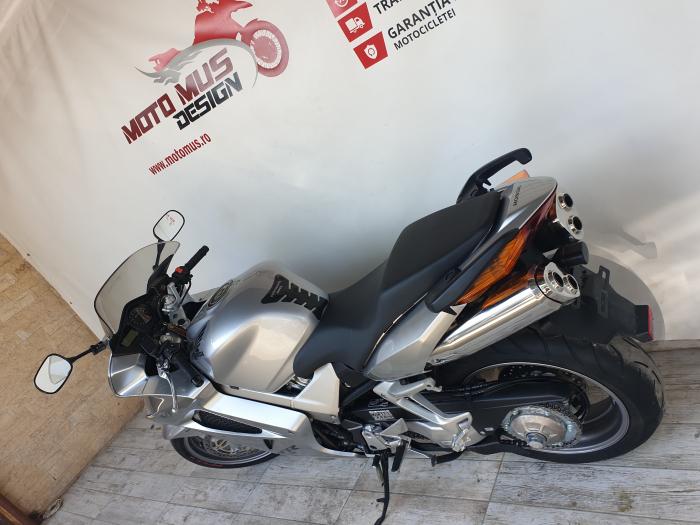Motocicleta Honda VFR800 V-Tech 800cc 107CP - SUPERB - H00575 [11]