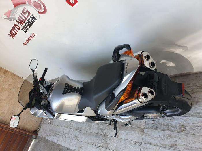 Motocicleta Honda VFR800 V-Tech 800cc 107CP - SUPERB - H00575 [12]