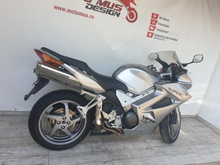 Motocicleta Honda VFR800 V-Tech 800cc 107CP - SUPERB - H00575 [1]