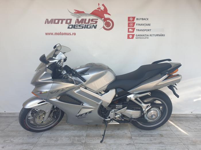 Motocicleta Honda VFR800 V-Tech 800cc 107CP - SUPERB - H00575 [6]
