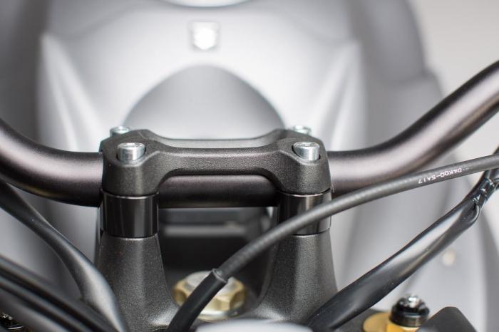 Inaltator ghidon h 20 mm. Negru Suzuki GSX-S 1000/F 2015- [1]