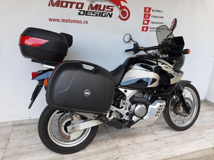 Motocicleta Honda Africa Twin 750cc 59CP - H10471 1
