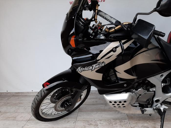 Motocicleta Honda Africa Twin 750cc 59CP - H10471 8