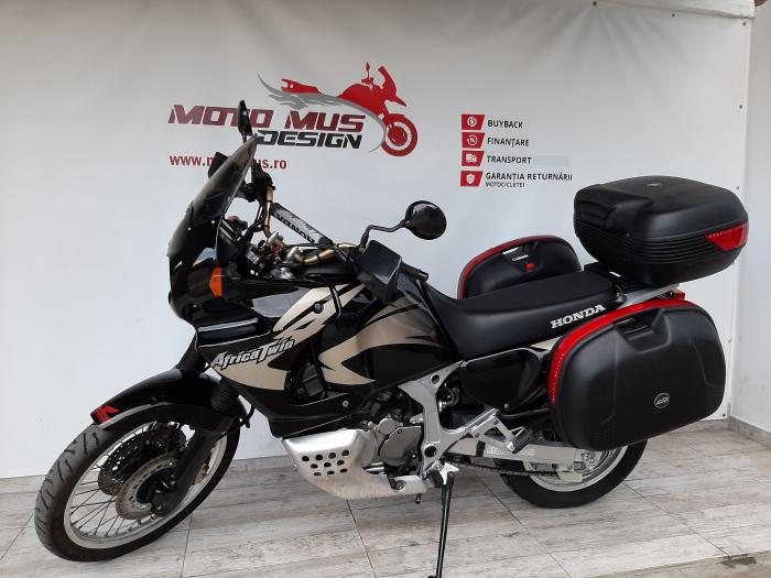 Motocicleta Honda Africa Twin 750cc 59CP - H10471 7