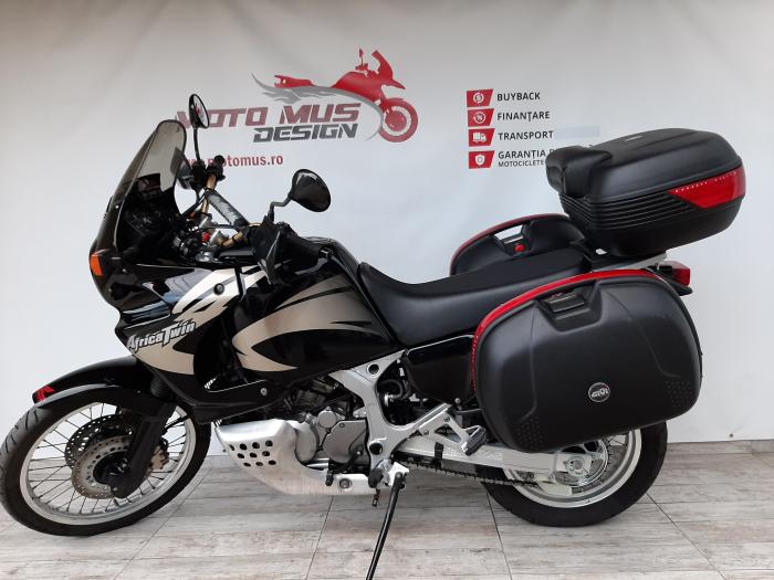 Motocicleta Honda Africa Twin 750cc 59CP - H10471 6